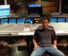 Yo voy a MASTERIZAR 2 tracks usando equipo Analogo de Clase Mundial