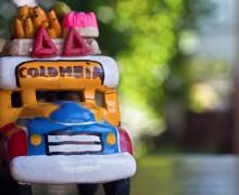 Yo voy a crearle una guía de viaje para Colombia por 100 pesos.