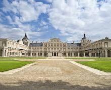 Yo voy a enviar una postal desde Aranjuez en España.